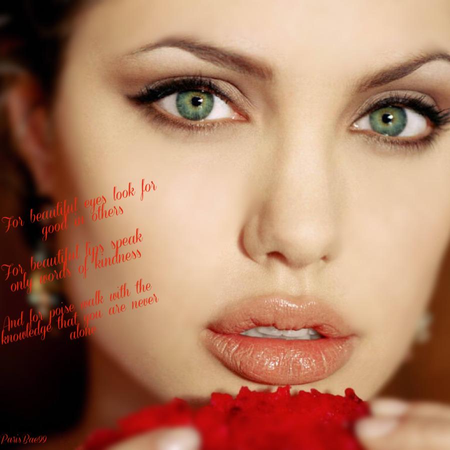 Augenfarbe angelina jolie Angelina Jolie